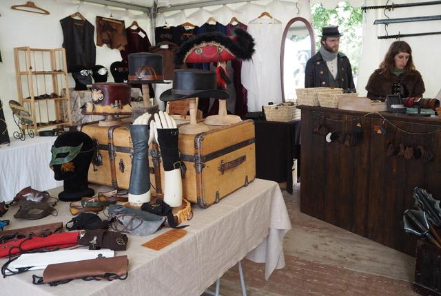 Un stand steampunk aux Imaginales d'Epinal