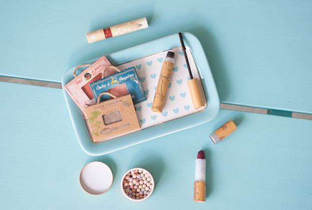 Beauté bio: test de maquillage bio de chez Couleur Caramel sur le blog féminin Birds & Bicycles