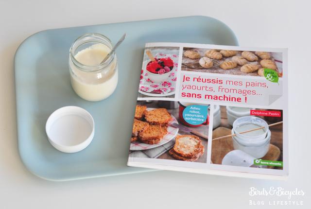 Mes yaourts maison à la vanille, une recette trouvée dans ce super livre pour cuisiner plein de choses sans yaourtière, machine à pain ou à pâtes!