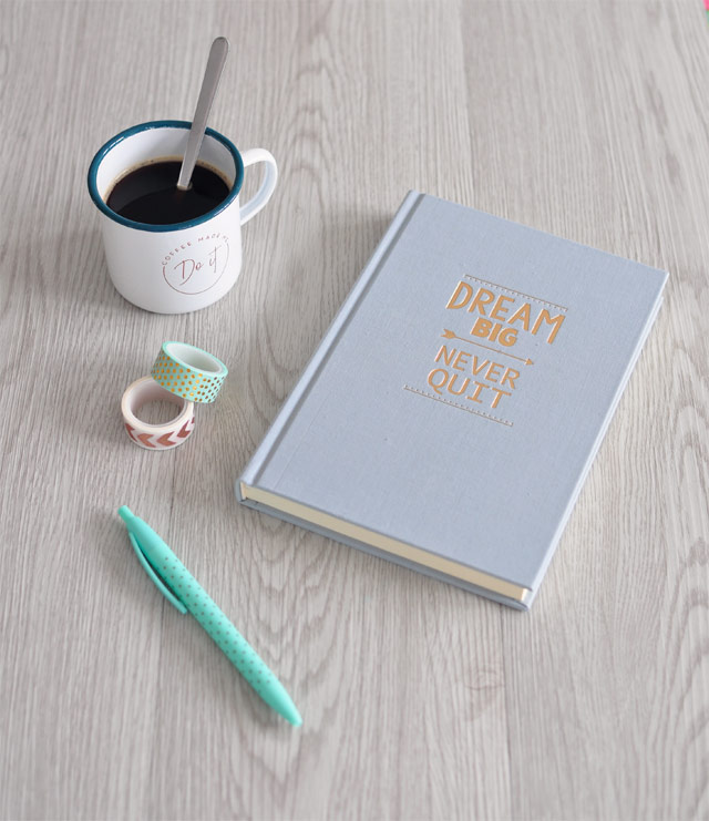 papeterie: carnet, masking tapes et stylos