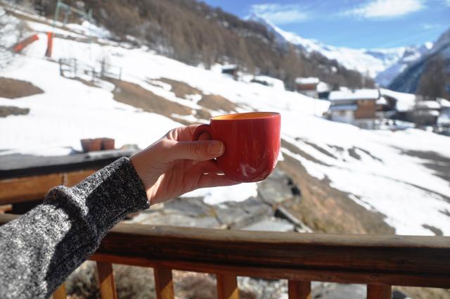 Un café à la montagne