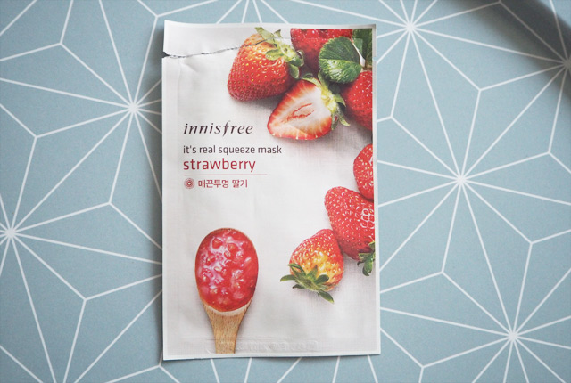 "Avis & Test: Masque en tissu Innisfree ""its real squeeze mask strawberry"""