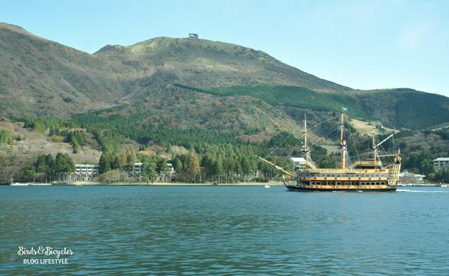En bateau sur le lac à Hakone - Blog voyage!