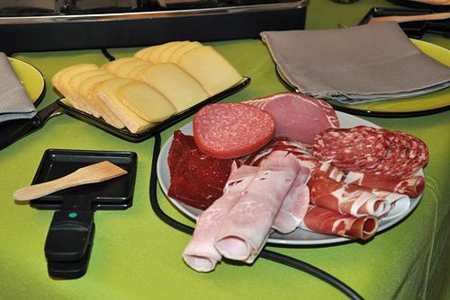 La raclette suisse est une d ception pour les fran ais - Coupe fromage a raclette ...