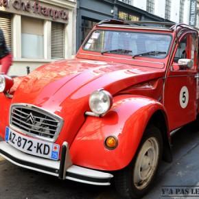 Une folle embardée en 2CV dans Paris