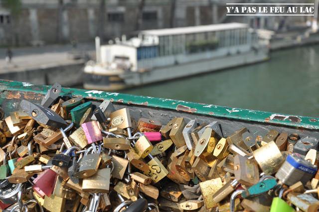 Pont des Amoureux de Paris