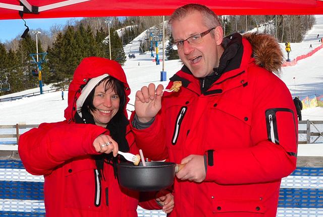 SOS-FONDUE De la fondue suisse au Québec