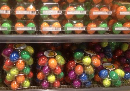 Oeufs durs colorés vendus en magasin - spécificité suisse