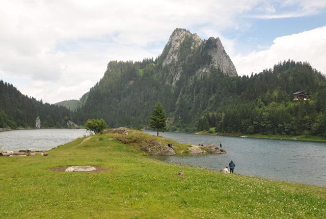 lac Tanay