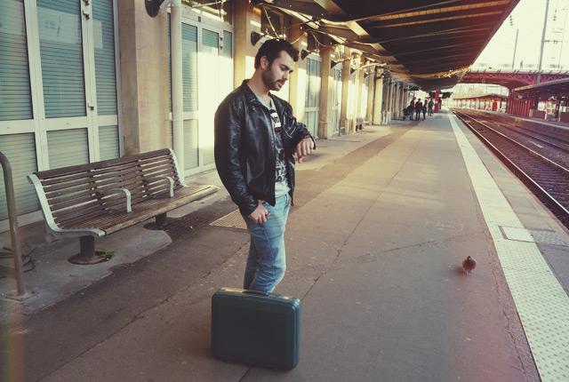 Attente sur un quai de gare- coup de gueule contre la SNCF
