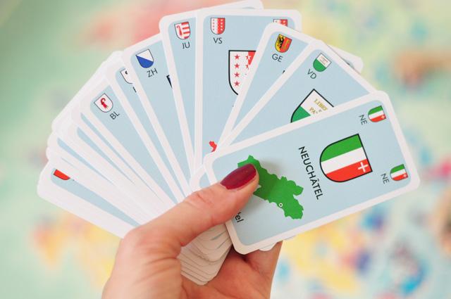 Les cartes de cantons suisses dans le jeu de Helvetiq Le Grand Tour de Suisse