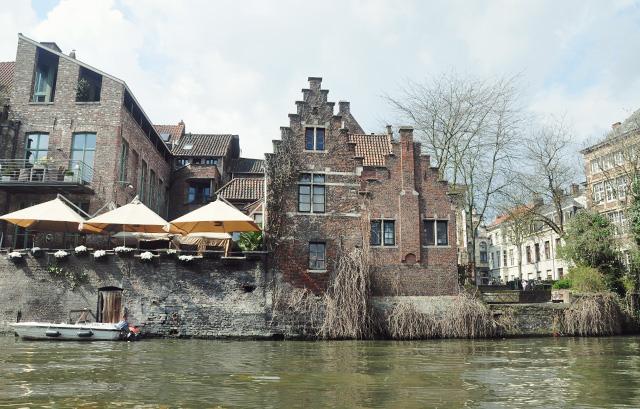 Sur l'eau à Gand en Belgique