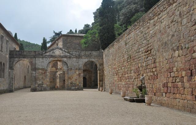 Abbaye de Fontfroide que voir dans l Aude blog voyage en France (5)