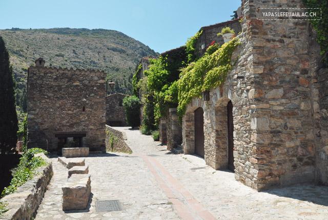 Castelnou, un village du pays catalan à visiter!