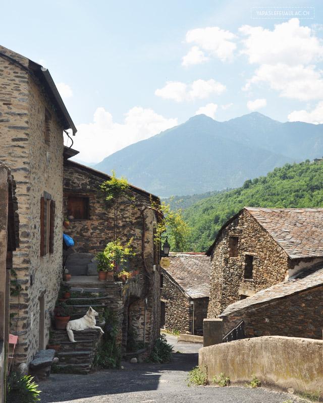 Le village d'Evol, un des plus beaux villages de France des Pyrénées Orientales