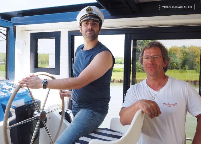 Petite intro à la conduite de bateau sans permis avec les Canalous!