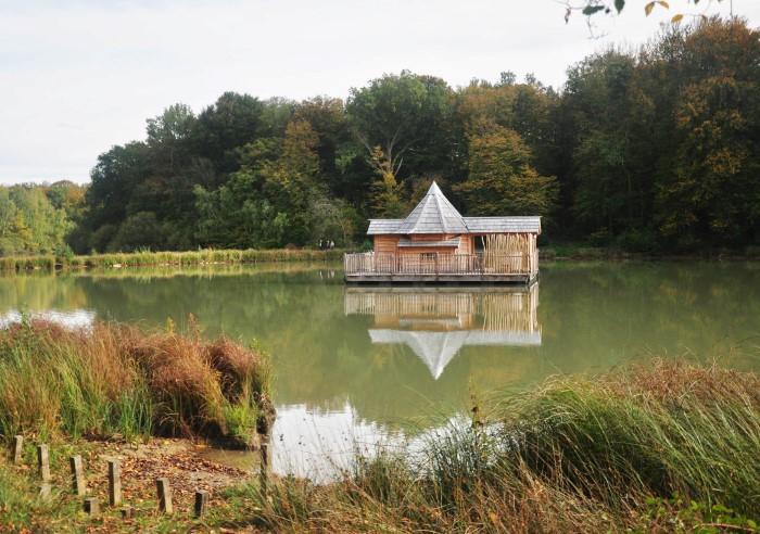 Cabane insolite: j'ai passé la nuit dans une cabane qui flotte en France!