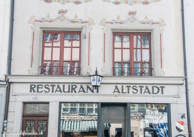 Restaurant Altstadt dans la vieille-ville - Crédit Yapaslefeuaulac