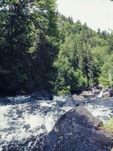 Mauricie - En rando vers les chutes Waber au Québec