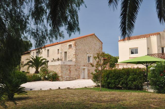 Adresse à Argelès sur Mer: L'auberge du Roua, un hôtel avec piscine. Avis et photos sur le blog