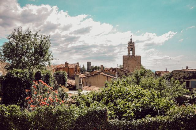 Jolis villages de Provence: escapade à Cucuron, Ansouis et l'Ile sur Sorgue sur le blog voyage en France Yapaslefeuaulac!