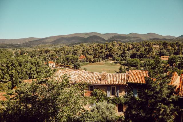 La Provence: Cucuron dans le Vaucluse
