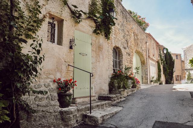 Ansouis (Vaucluse) Visiter le Luberon. Idées pour un week-end en Provence sur le blog Yapaslefeuaulac.ch