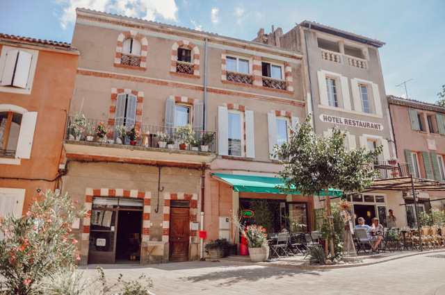 Visiter le Vaucluse (Provence) - Les beaux villages comme Ansouis - Blog Yapaslefeuaulac