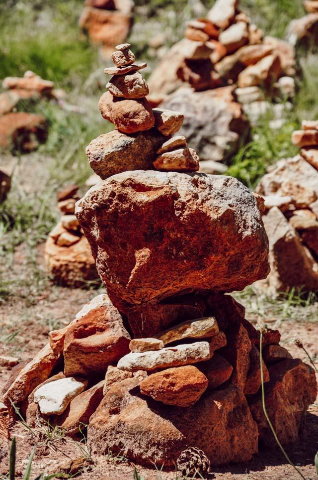 Sol et minéraux rouges en Provence
