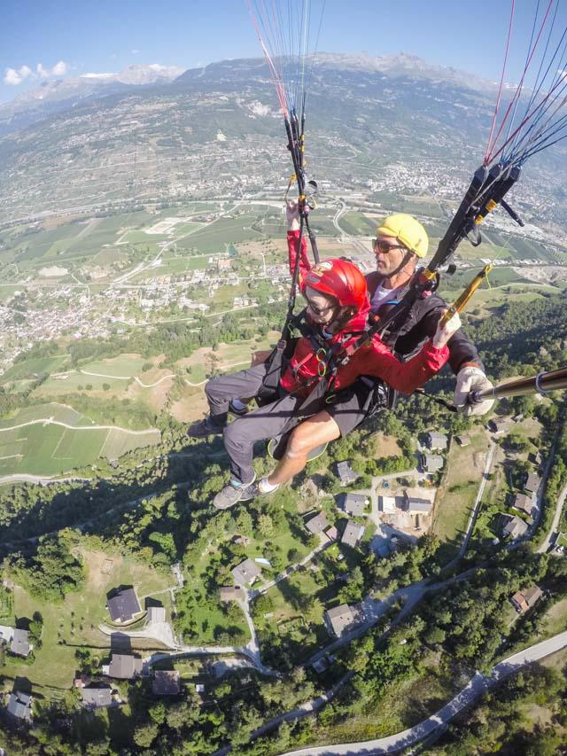 Dernière aventure sur le blog: un vol en parapente en Suisse!