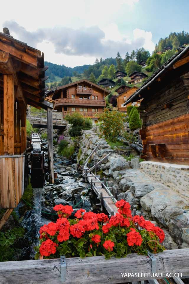 Voyage dans les montagnes en Suisse: Visiter Grimentz et le Val d'Anniviers avec les conseils du blog Yapaslefeuaulac.ch