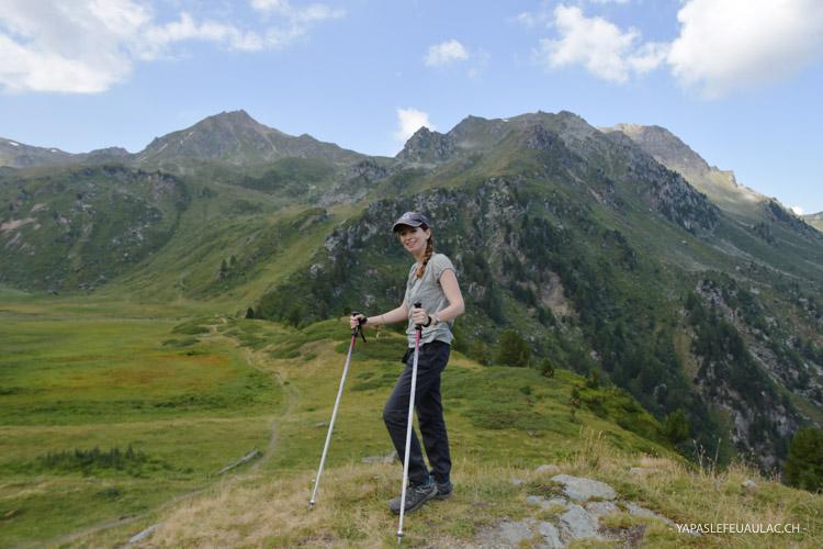 Pour randonner en Valais autour de Vercorin: n'oubliez pas vos bâtons de marche!