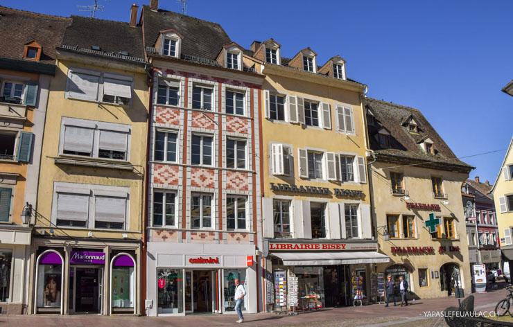 Place de la réunion: visiter Mulhouse (tourisme en Alsace sur le blog Yapaslefeuaulac.ch)