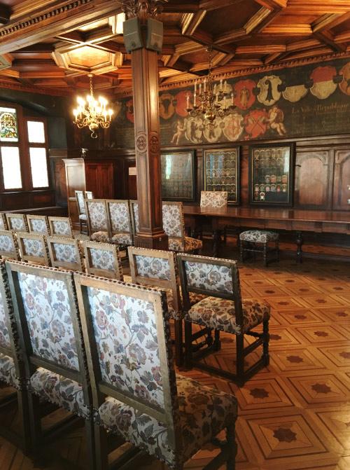 Salle du conseil dans l'ancien hôtel de ville