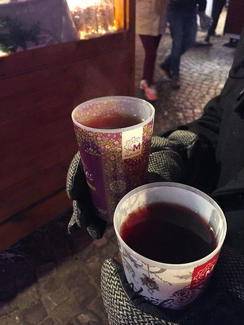 Vin chaud et bière chaude