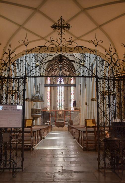 Cathédrale Saint-Nicolas à Fribourg (Freiburg) en Suisse