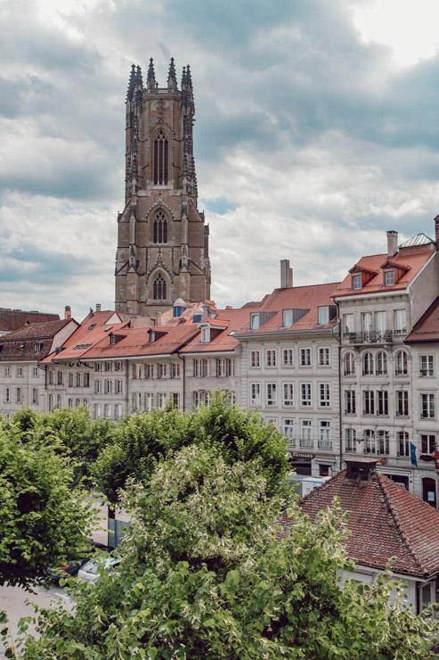 Découvrir la ville de Fribourg en Suisse sur le blog Yapaslefeuaulac.ch