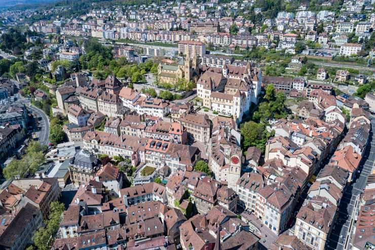 Visiter Neuchâtel: idées de choses à faire pour un week-end dans la ville suisse sur le blog Yapaslefeuaulac.ch