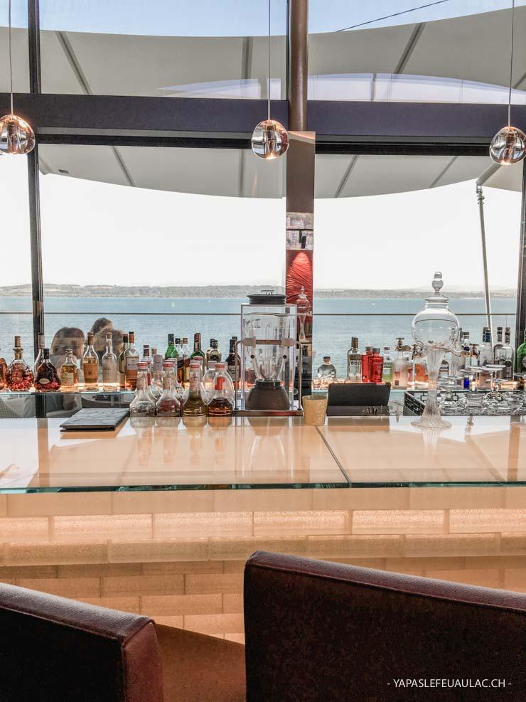 Waves - bar avec vue à Neuchâtel