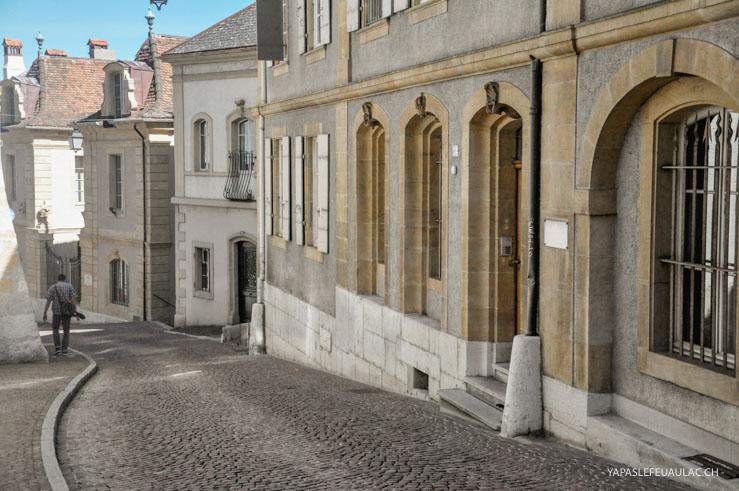 Les rues grimpant au Château