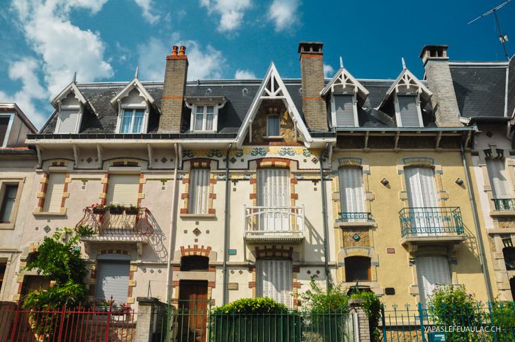Si comme moi vous êtes fascinés par l'Art Nouveau, filez voir la rue Félix Faure, tout près du Parc Sainte-Marie. La plus belle rue de Nancy.