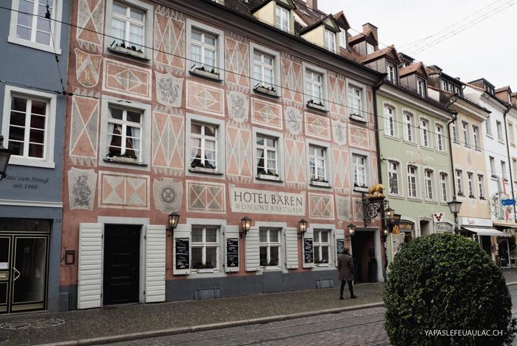 Zum Roten Bären est la plus ancienne auberge de Freiburg im Breisgau