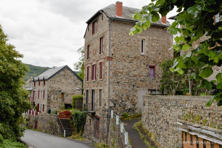 Visiter le village de Saint-Nectaire en Auvergne - que faire autour du Mont Dore & Puy de Sancy - des idées sur le blog voyage en France Yapaslefeuaulac