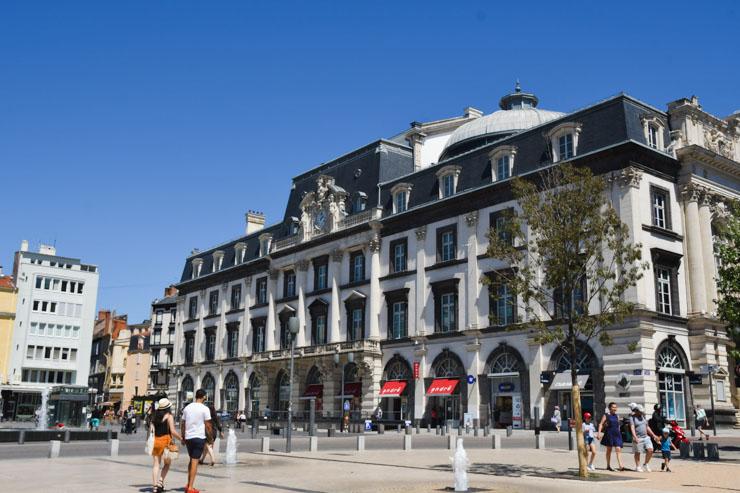Visiter Clermont-Ferrand - idées de monuments à voir sur le blog